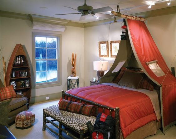 Camping theme bedroom for teenager